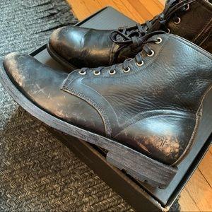 FRYE   NIB Distressed Bowery LaceUp Boots Black 10